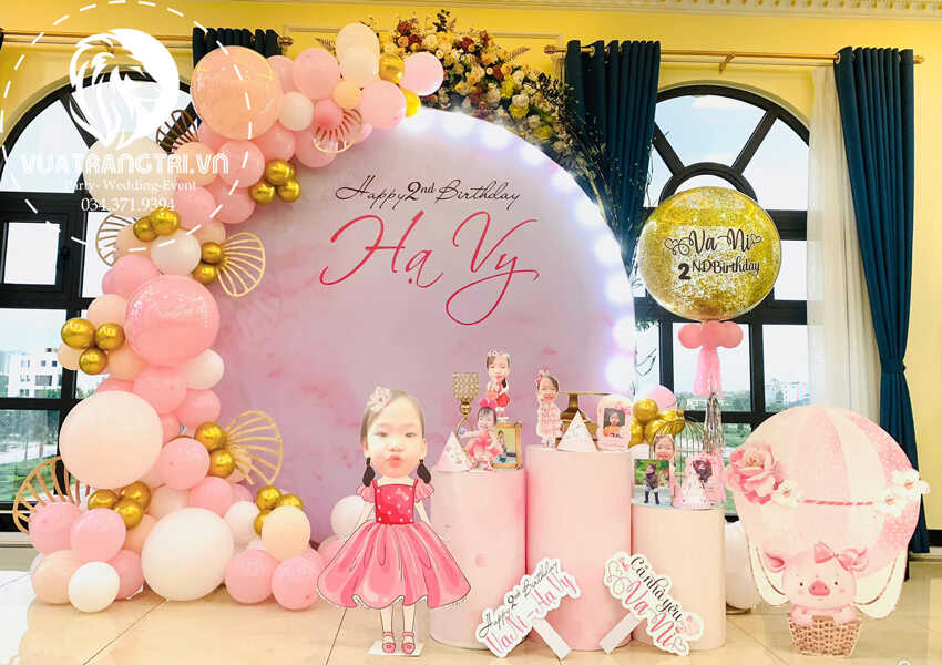 các mẫu trang trí sinh nhật cho bé gái