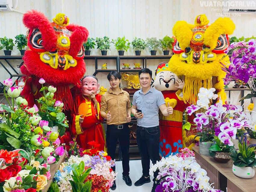 Múa lân khai trương cửa hàng Thời Trang Cao Cấp